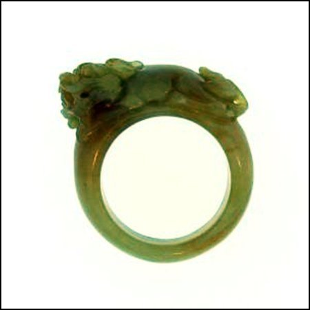 13K: NATURAL YELLOW JADE RING - SIZE 7