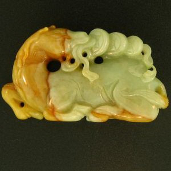 14K: NATURAL GREEN RED MIX JADE STATUARY