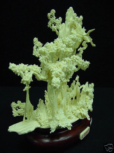 HAND CARVED SOLID BONE GIRAFFS MOUNTAIN - 3