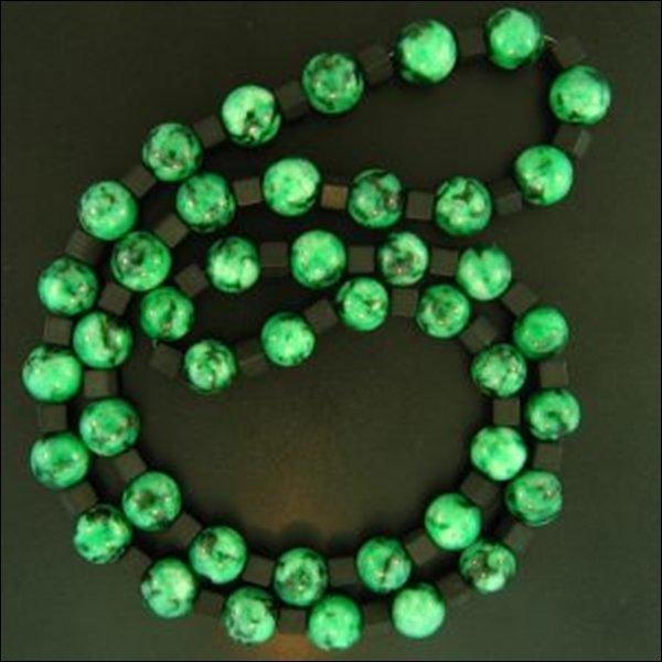 NATURAL GREEN JADE NECKLACE-GRADE A JADE