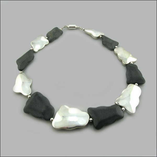 PERUVIAN SILVER NUGGET AND BLACK OBSIDIAN NECKLACE