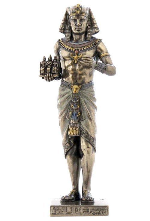 EGYPTIAN PHARAOH HOLDING 3 KINGS  - BRONZE