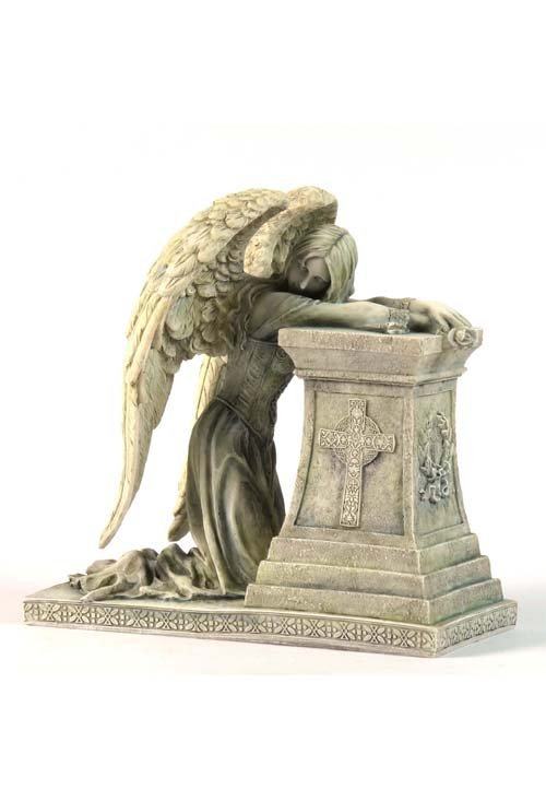 GOTHIC WEEPING ANGEL