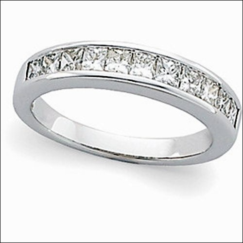 1 ct tw Princess-Cut Diamond Anniversary Band