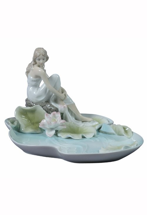 GIRL SITTING BY LOTUS POND TRAY