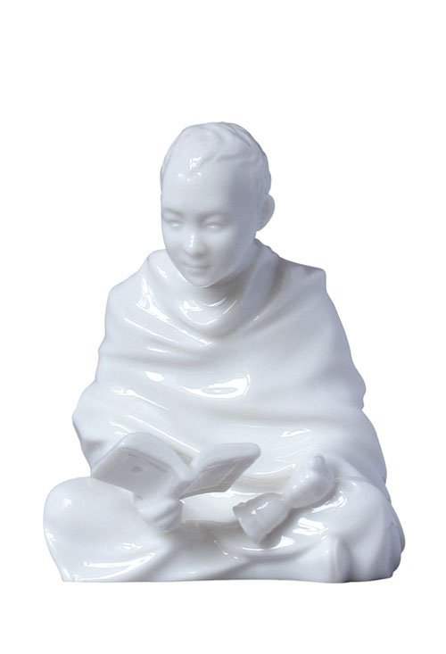TIBET CHILD-SITTING AND READING