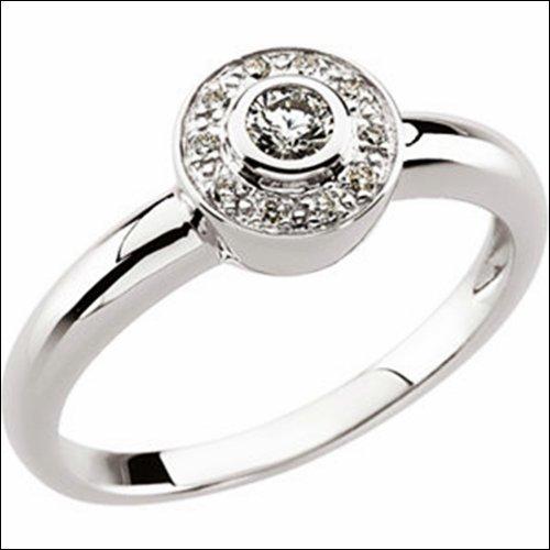 1/6 CT TW DIAMOND RING