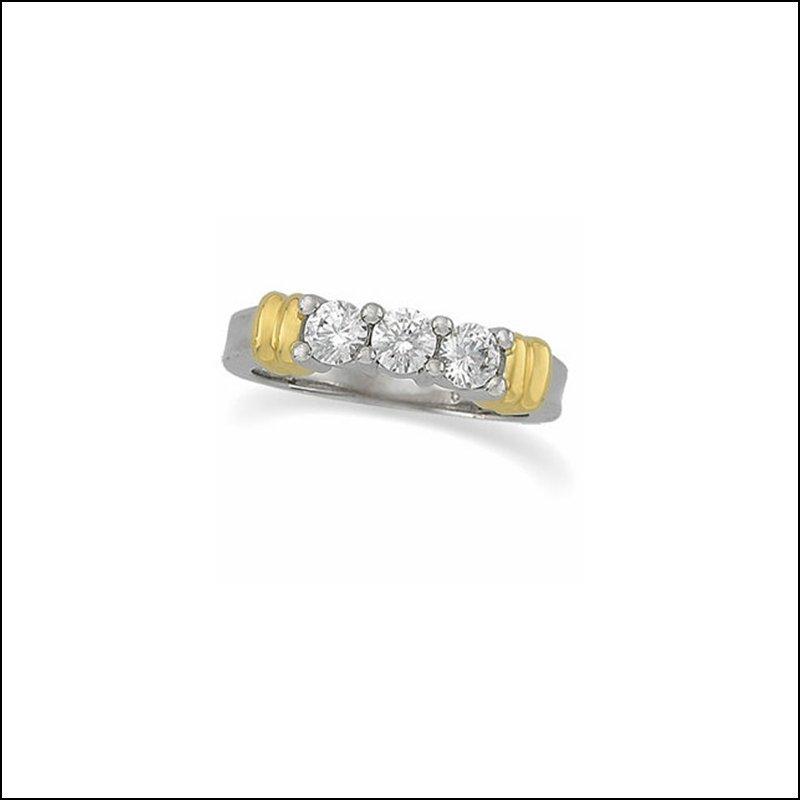 3/4 CT TW DIAMOND 3-STONE TWO-TONE RING