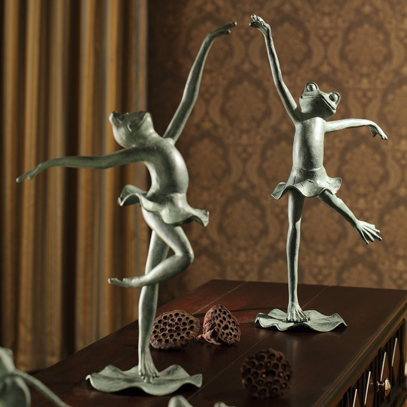 PAIR OF BALLET FROGS