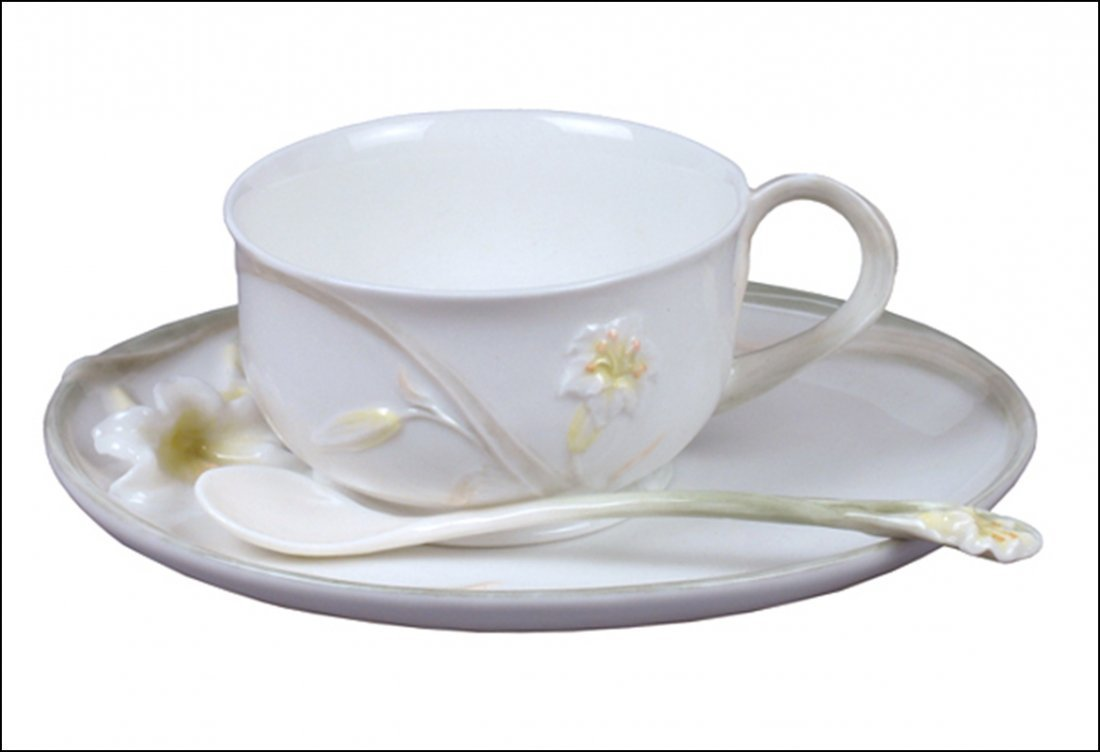 LILY COFFEE CUP SET WITH SPOON