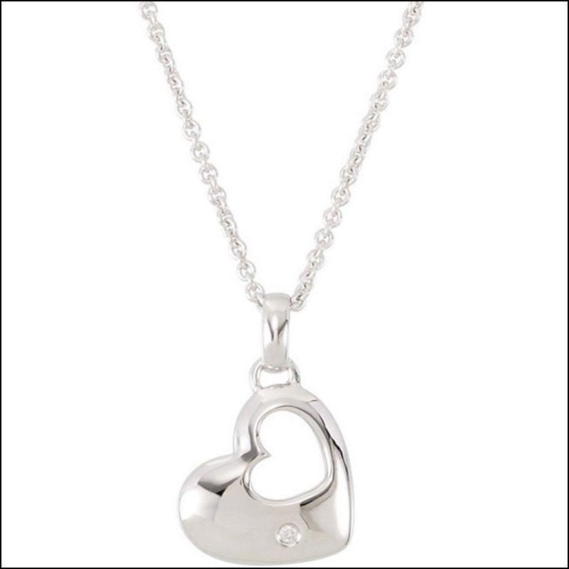 """.01 CT TW DIAMOND HEART 18"""" NECKLACE"""