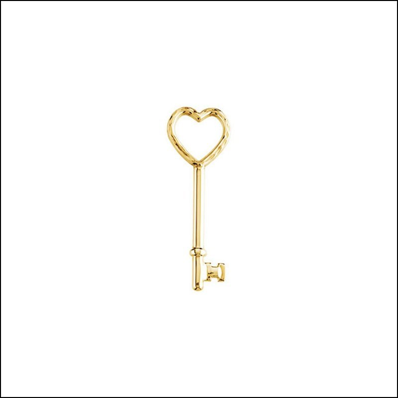 HEART KEY PENDANT WITH DIAMOND-CUT FINISH