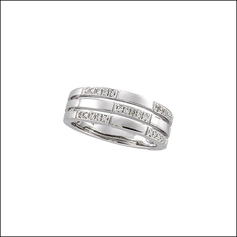 1/8 CT TW DIAMOND RING