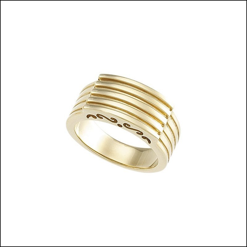 CHANNEL RING WITH SCROLL PATTERN
