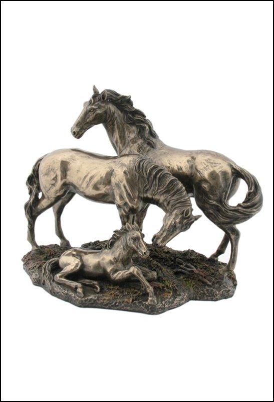 HORSE FAMILY  - BRONZE