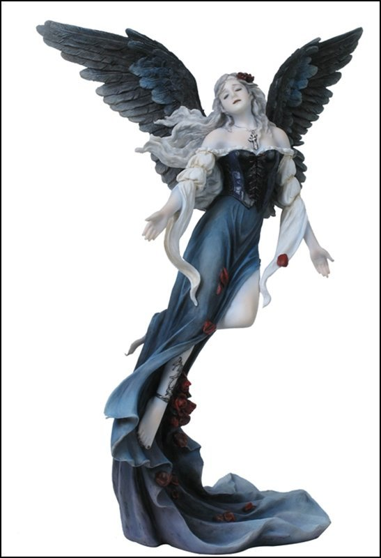 GOTHIC ANGEL WITH ROSE PETAL