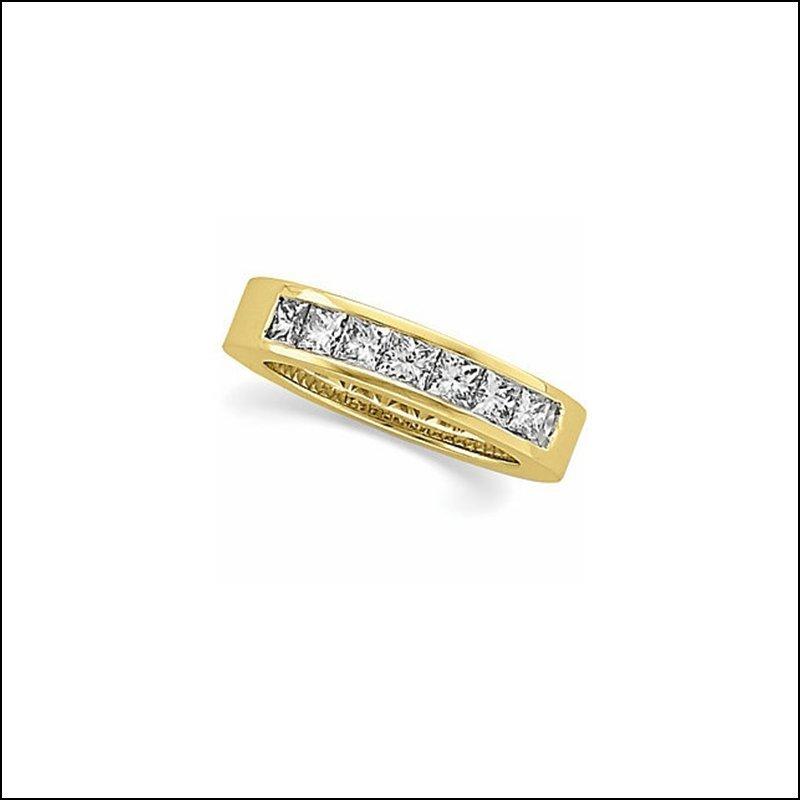 1 1/6 CT TW PRINCESS-CUT DIAMOND ANNIVERSARY BAND