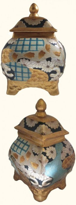 "15""h Chinese Porcelain Box Hand Painted Japanese Imari"