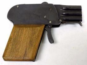 NAZI GERMAN WORLD WAR II CAP / FLARE GUN PISTOL World