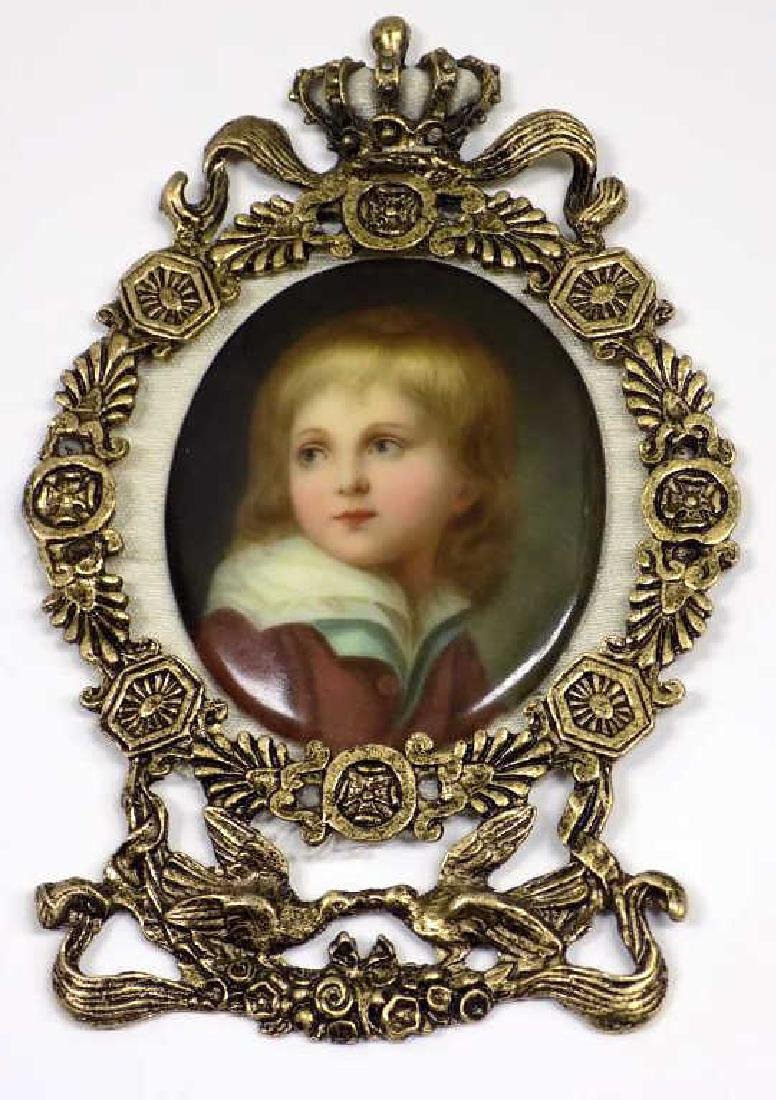 GERMAN BOY PAINTED PORTRAIT MEDALLION