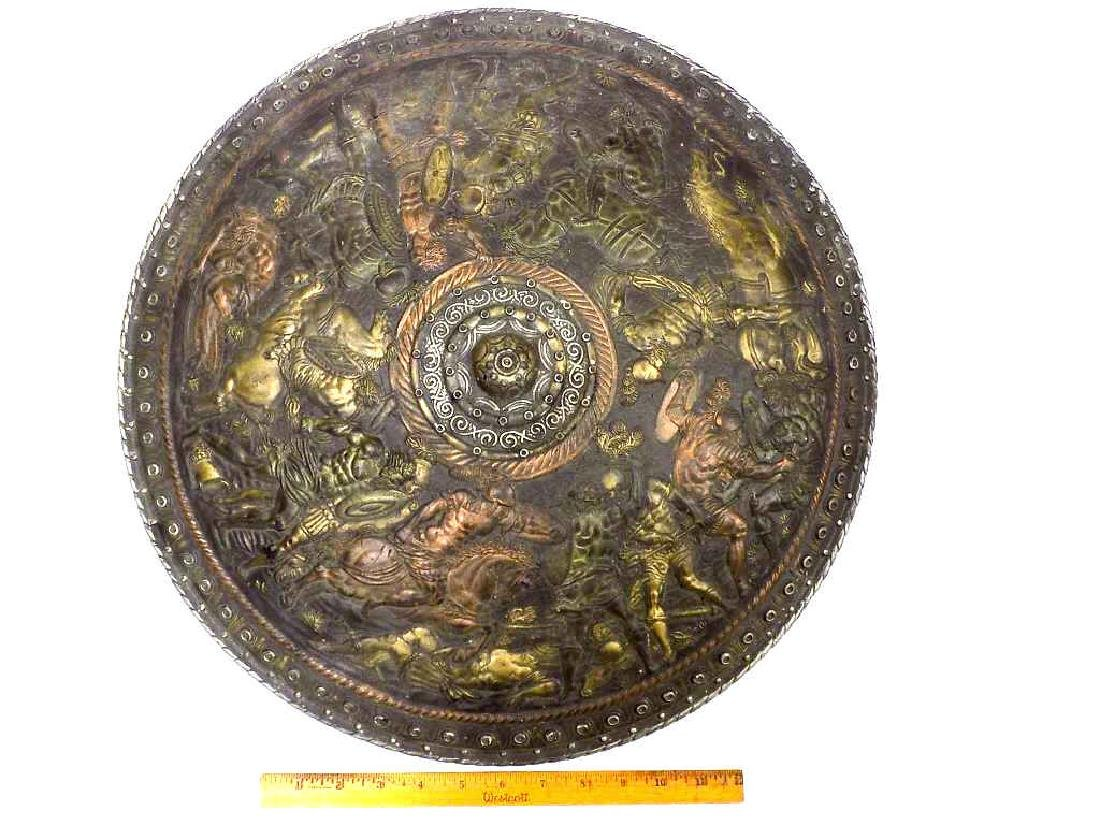 ROMAN EMPIRE GLADIATOR BATTLE SCENE SHIELD