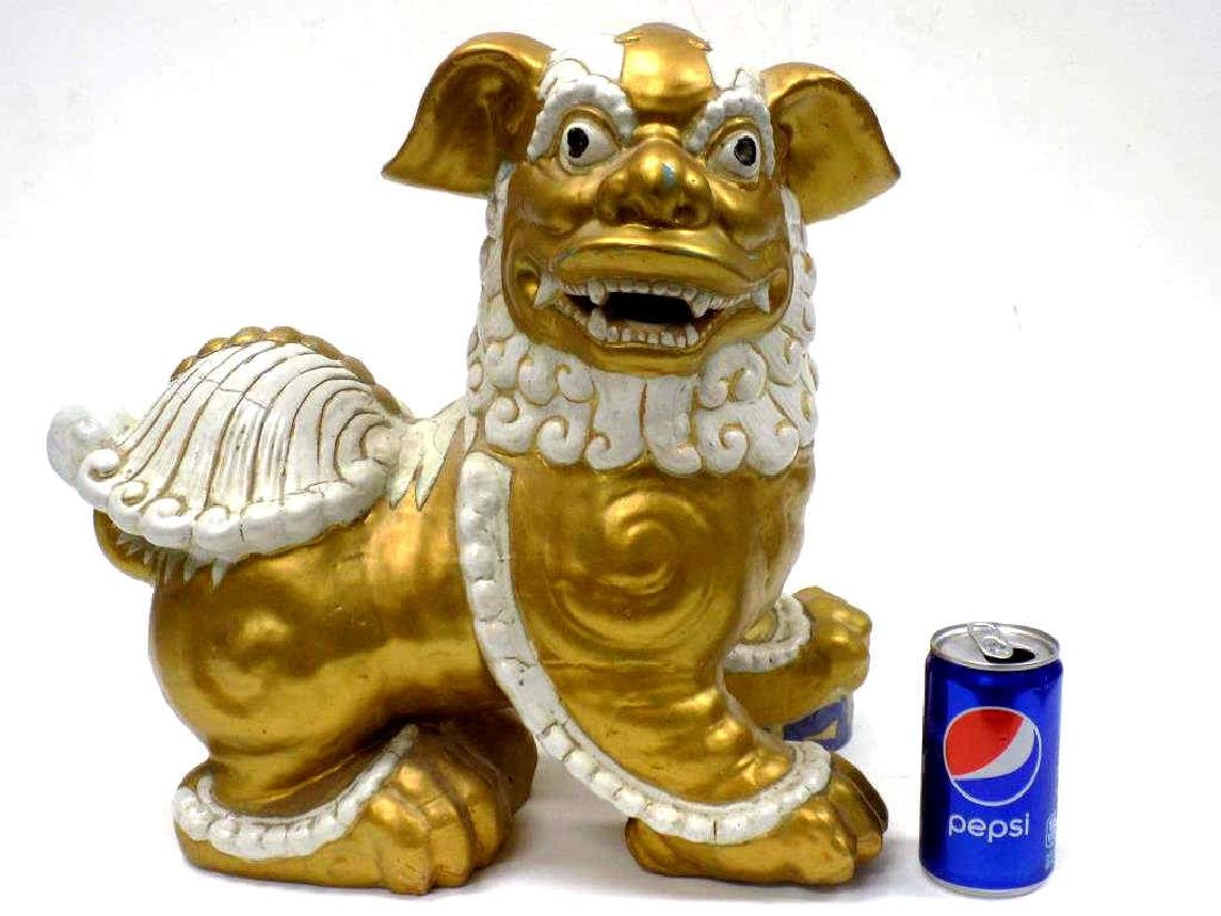 BIG ORIENTAL PARCEL GILT CERAMIC FOO LION