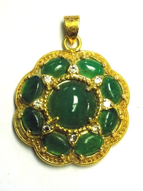 CHINESE GOLD VERMEIL CABACHONED JADEITE PENDANT