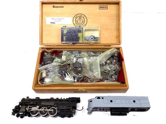 VARNEY HO SCALE LOCOMOTIVES W/ BOX OF MOTORS