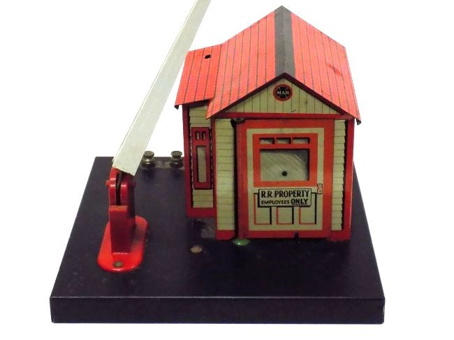 MARX TIN TOY TRAIN STATION STOP & FIGURE