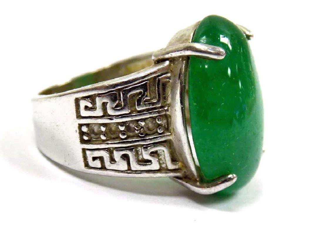 CHINESE SILVER JADEITE GREEN OVAL ENGRAVED RING - 2