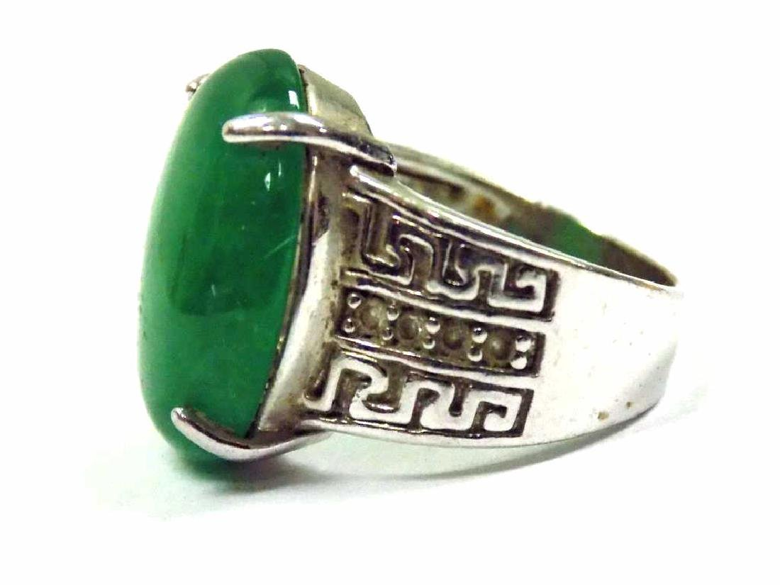 CHINESE SILVER JADEITE GREEN OVAL ENGRAVED RING - 3