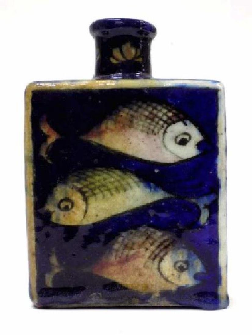 19TH CENTURY PERSIAN FISH DECORATED POTTERY FLASK
