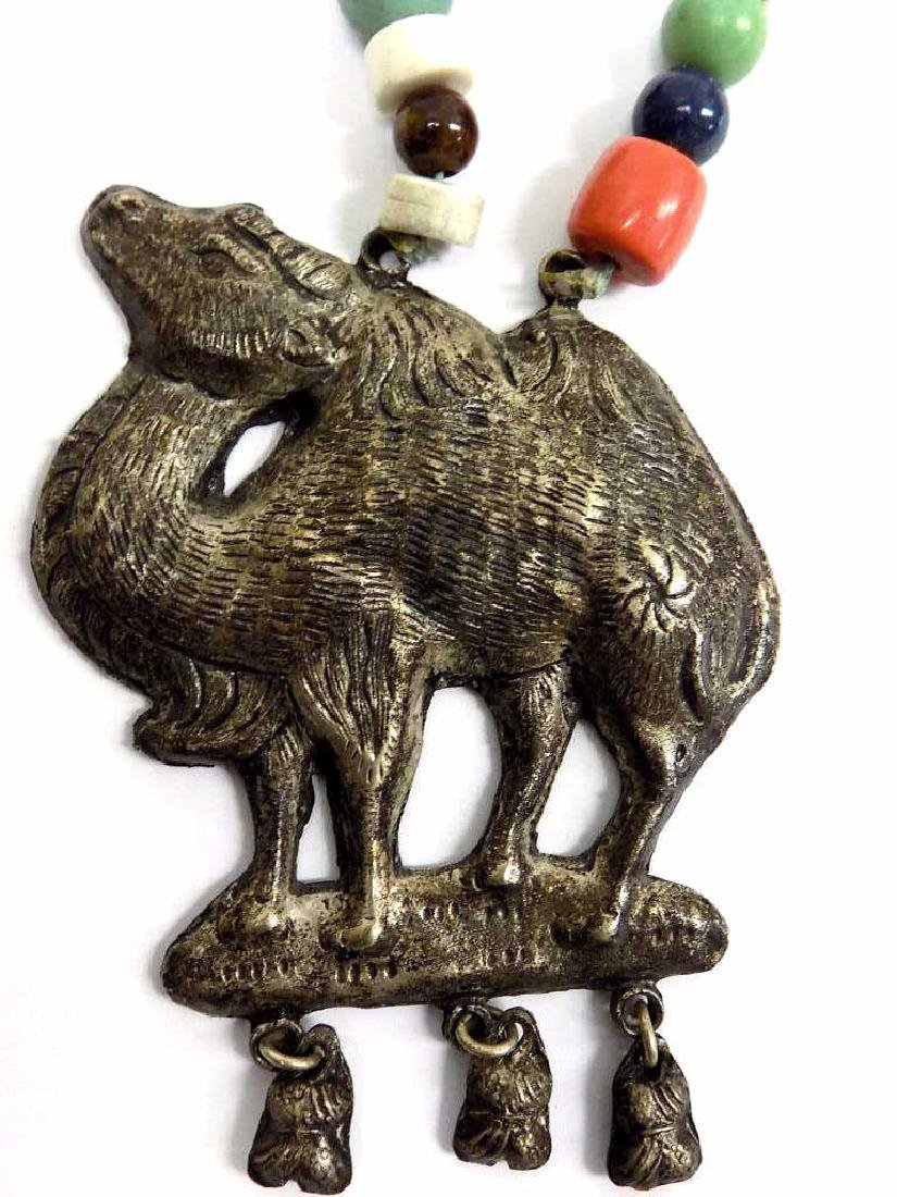 VINTAGE CHINESE SILVER CAMEL & STONE NECKLACE - 2