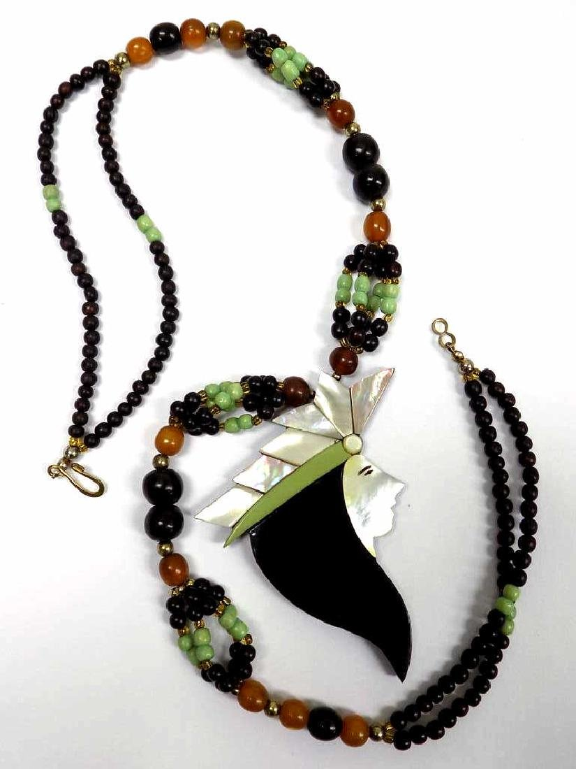 VINTAGE GOTHIC QUEEN BEADED NECKLACE