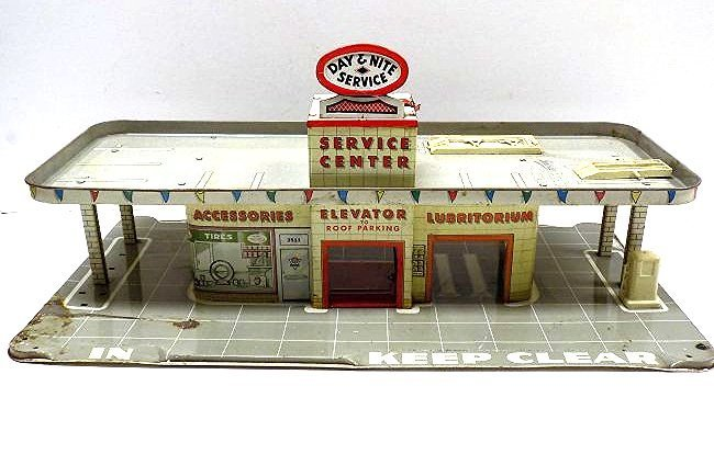 MARX TIN TOY AUTOMOBILE GAS STATION SERVICE CENTER