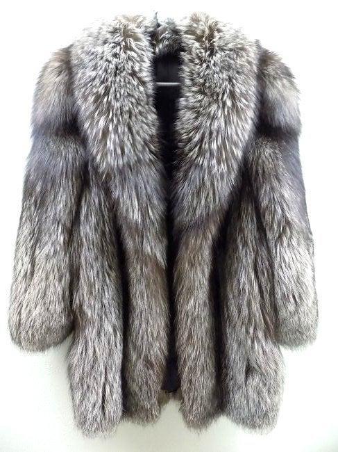 LUXURIOUS SILVER FOX FUR COAT W/ HEAD NECK SCARF