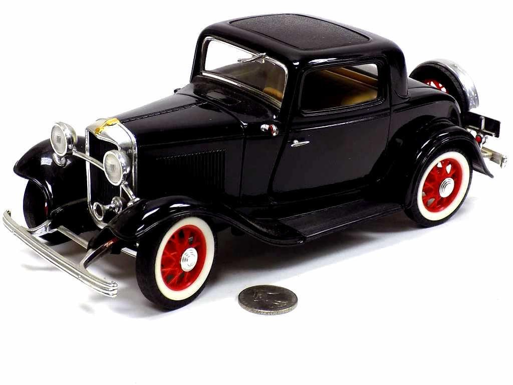 1932 FORD COUPE DIE CAST METAL REPLICA CAR