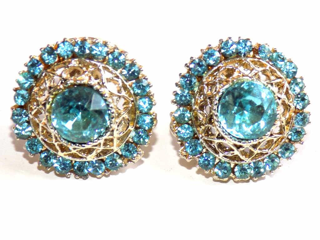 VINTAGE SIMULATED BLUE TOPAZ COSTUME EARRINGS