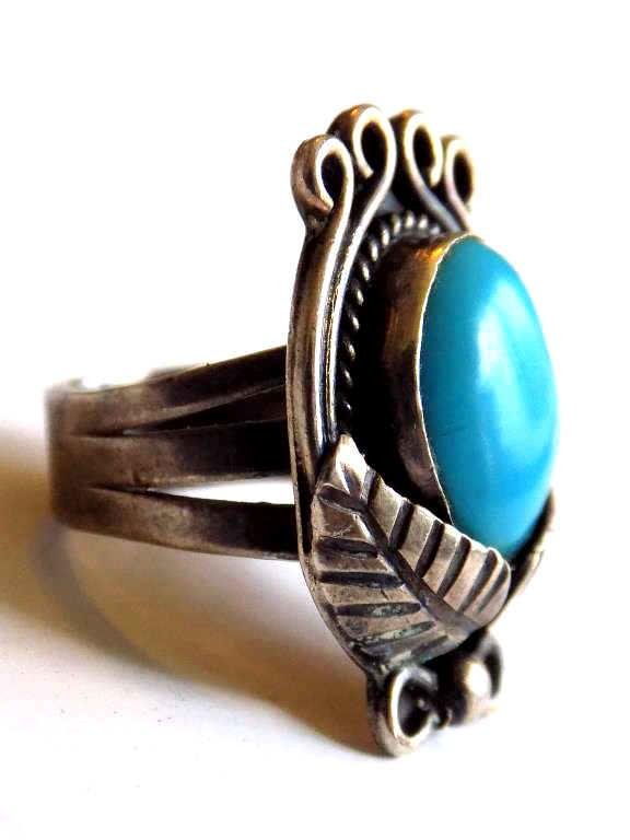 NATIVE AMERICAN INDIAN SILVER TURQUOISE RING