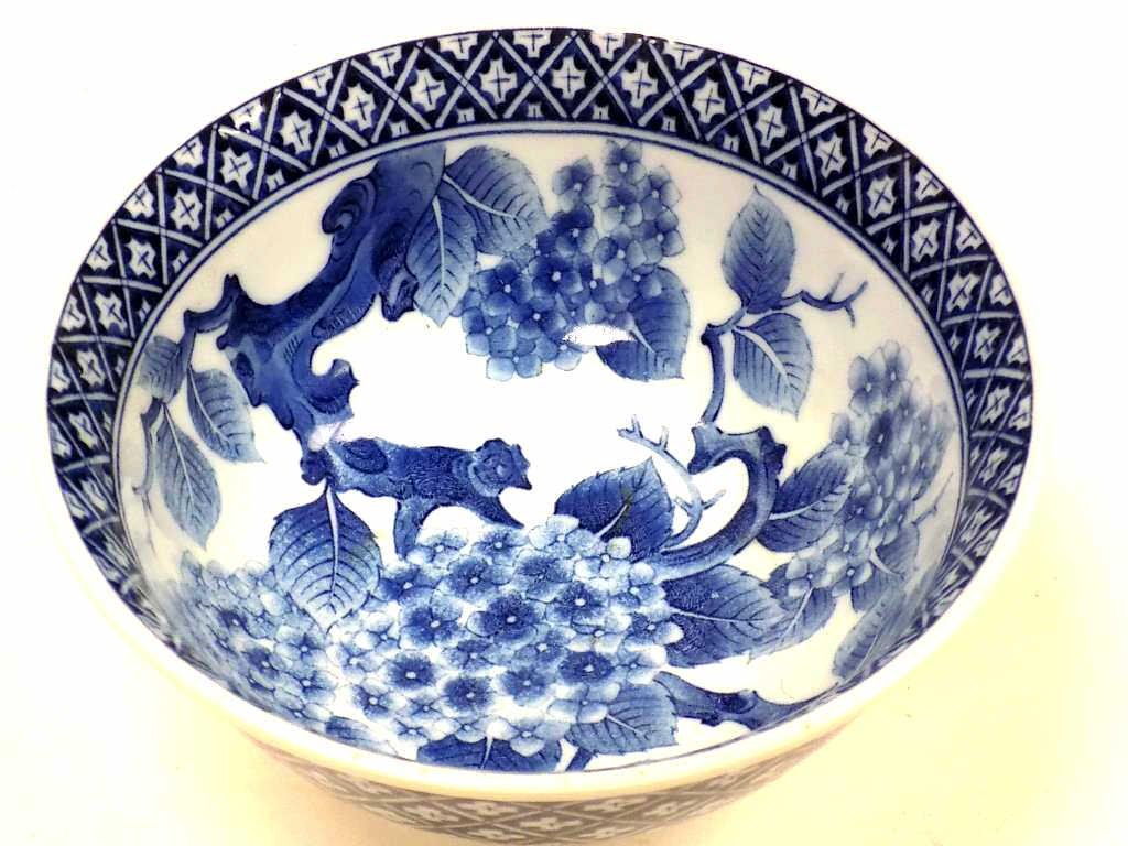 CHINESE PORCELAIN BLOSSOMS BOWL