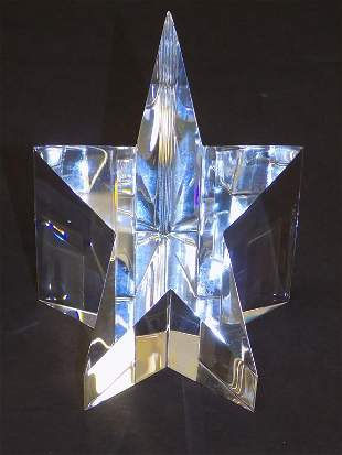 STEUBEN ART GLASS CRYSTAL STAR WITH BOX