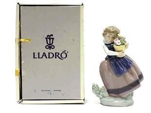 LLADRO - GIRL WITH FLOWER POT FIGURINE