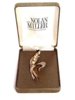 NOLAN MILLER SIMULATED GOLD DIAMOND PEARL BROOCH