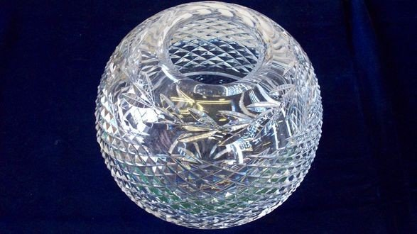 2A: WATERFORD CRYSTAL GLASS GLOBE  VASE