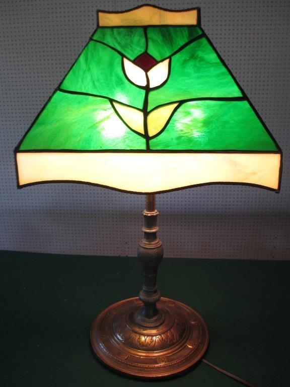 ANTIQUE ARTS & CRAFTS BRONZE LEADED GLASS LAMP