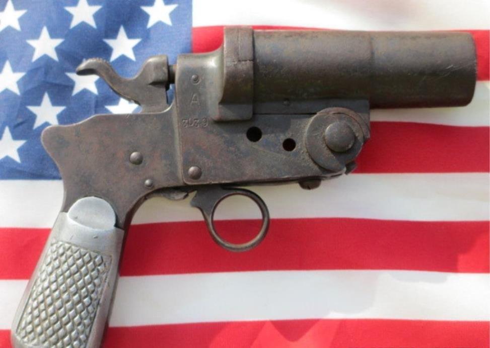 CASTELLI BRESCIA 1940 MODEL 00 FLARE GUN