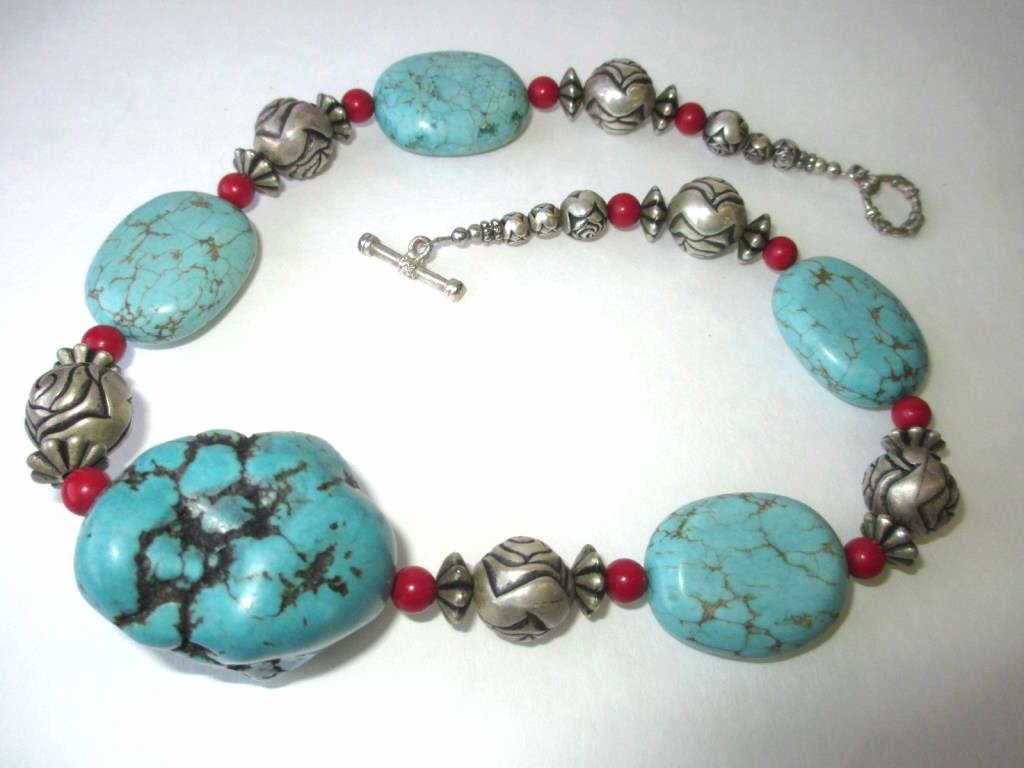 AMERICAN INDIAN BIG TURQUOISE & SILVER NECKLACE
