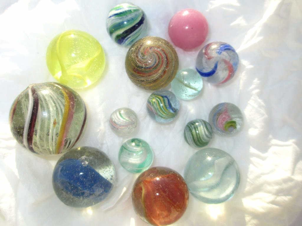 19TH CENTURY AMERICAN GLASS TOY MARBLES