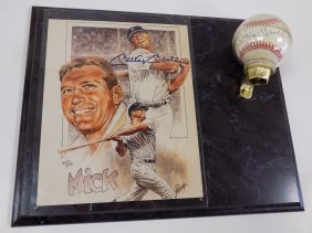 Mickey Mantle Yankees Autographed Baseball / Photo