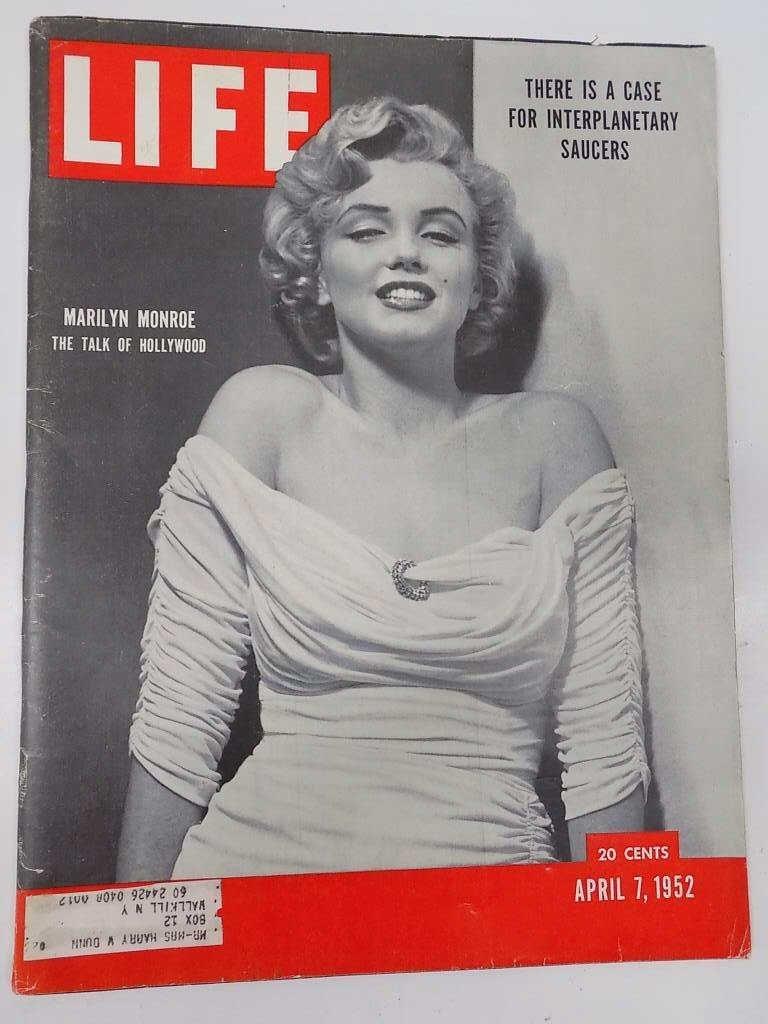 MARILYN MONROE LIFE MAGAZINE ISSUE APRIL 7, 1952 Life